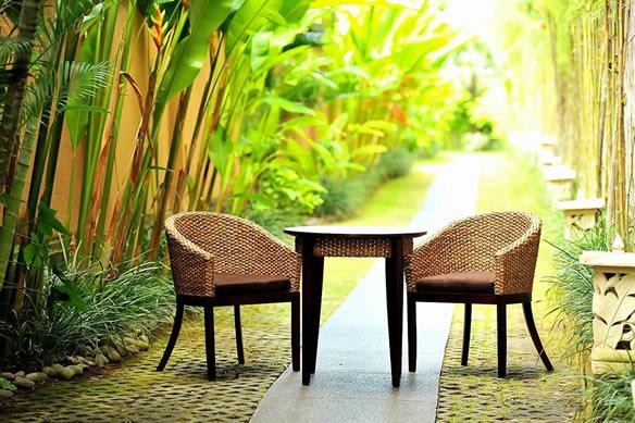 アジアン家具 包み込むようなシルエットが美しいヒヤシンスチェアー