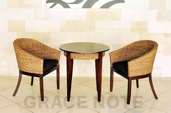 アジアン家具 スタイリッシュなデザインが魅力的なラウンドカフェテーブル