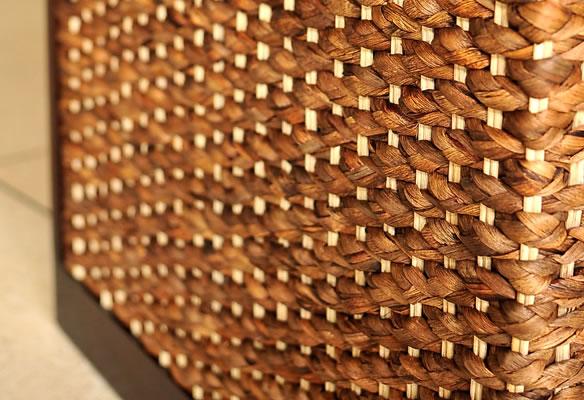 アジアン家具 ウォーターヒヤシンスを編み上げたナイトテーブル