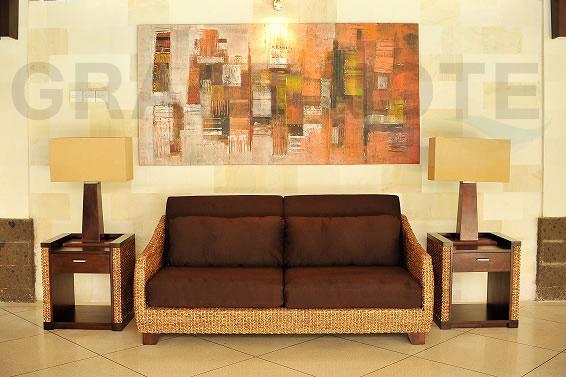 アジアン家具 ウォーターヒヤシンスの美しい曲線が上品な3人掛けソファー