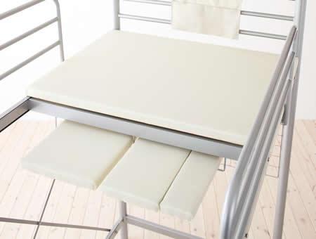 のびのびロフトベッド【Scelta-high】シェルタハイ 未使用の床板はベッド裏面に収納できます。