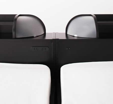 照明・コンセント付きフロアタイプダブルベッド【Diner】ダイナー ヘッドボードもぴったりです。
