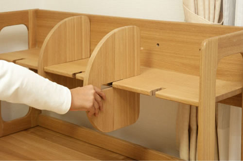 E-toko家具シリーズ ブックシェルフ JUB-2176NA 仕切りの位置を変更できます。