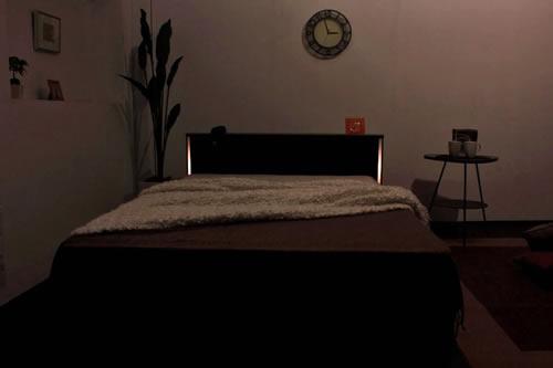 棚コンセント照明引出収納付ベッドA271 セミダブル モダン照明付き