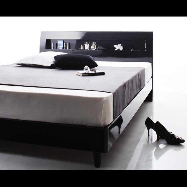 画像4: 鏡面光沢仕上げ・コンセント付きすのこ仕様シングルベッド【Degrace】ディ・グレース