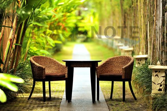 アジアン家具 カフェテーブルとチェアーの3点セット