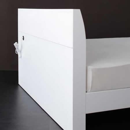 棚・コンセント付きデザインすのこ仕様シングルベッド【Alamode】アラモード