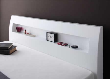 棚・コンセント付きデザインすのこ仕様シングルベッド【Alamode】アラモード 機能性が高い棚