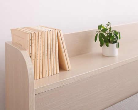 棚・コンセント付きフロア仕様シングルベッド【Claire】クレール本がすっきり収納できます。
