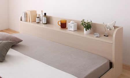 棚・コンセント付きフロア仕様シングルベッド【Claire】クレール小物を置くのに便利な棚