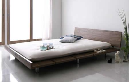 ロースタイル幅広すのこ仕様キングベッド 布団での使用も可能です。