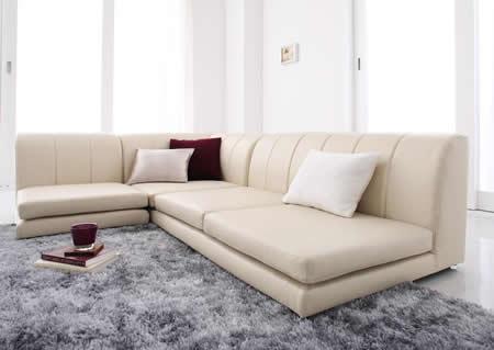 フロアコーナーソファー【COLT】コルト アイボリー:部屋がパッと華やぐ色。