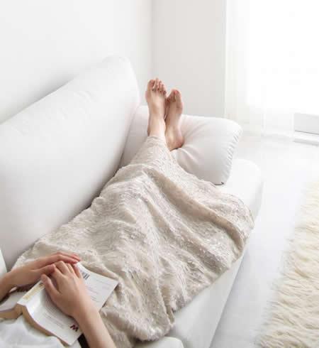 フランス産フェザー使用 モダンデザインソファー 160cm くつろぎの形
