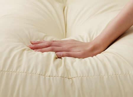 フロアコーナーカウチソファー:レザータイプ ふかふかの座り心地