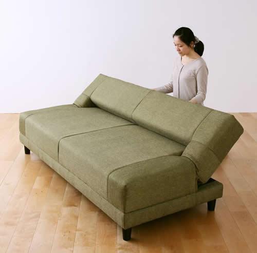 寝心地抜群コイルスプリングソファーベッド 簡単にベッドに変形できます